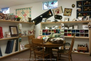 Morning Star Quilts: Seating area
