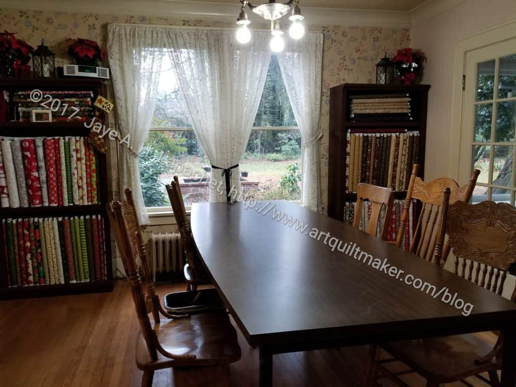 Pioneer quilts dining room artquiltmaker blog for Dining room quilter